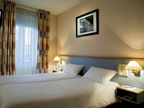 Maranatha Hotels - Hotel At Gare du Nord - Paris 10eme